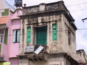some of the old, derelict houses in Mysore