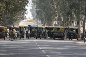 rickshaw demonstration outside Surajkund, blocking the road