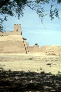the fort, which looks like a recent addition to Jiayuguan