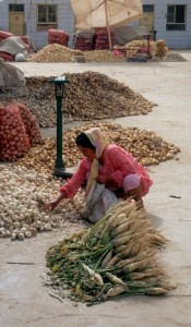 garlic in the Hotan market