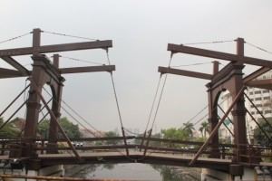 the only Dutch draw bridge left in Jakarta, the Chicken market Bridge in Kota
