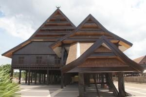 the wooden Bugis palace
