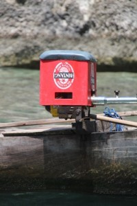 outboard engine protected by a beer crate