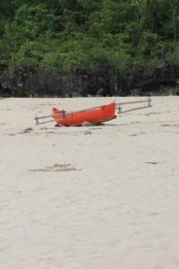 fishing canoe on the beach of Waikelo