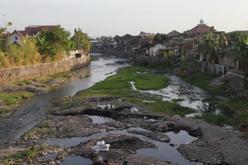 the river flowing through Yogyakarta