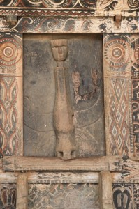 carved door of one of the houses in Tondok Bakaru