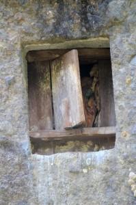 rock tomb near Lokomata