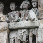 very expressive tau tau – effigies – on one of the balconies in Suaya