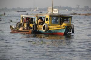 restaurant boat at the floating market