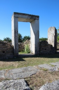 arch at one of the entries of Nikopolis-ad-Istrum