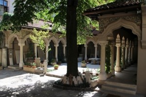 court yard of the Stavropoleos Church