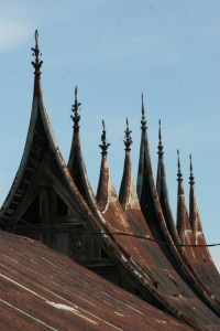 the tall roofs in Sumgayang