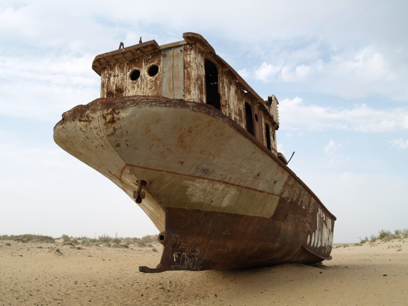 stranded boats near Moynaq - 4 (courtesy Marcin Zielonka)