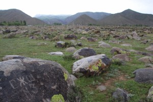 the boulder-strewn field full of petroglyphs