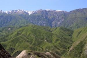 lower ranges mountain scenery