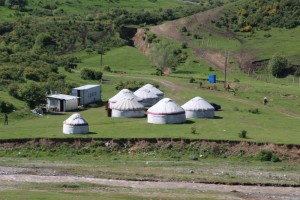 yurts in the valley that leads to the Chilyrchyk Pass