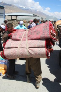carpet seller arriving