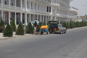 free water supply is along the road in the town of Kulob