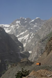 the road leading to the Anzob tunnel
