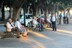 the men of Noto, gathering towards the evening