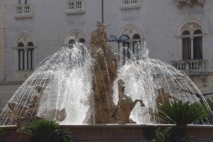 fountain on Piazza Archimede in Ortygia