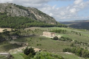 the Segesta temple from afar