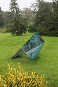 another attractive sculpture, I don't know the artist