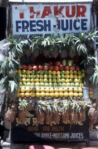 a juice stall along the road, in Mandi
