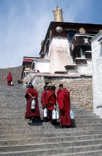 monks at the side of the Sera monastery