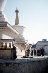 pilgrims at the Tashilunpo Monastery