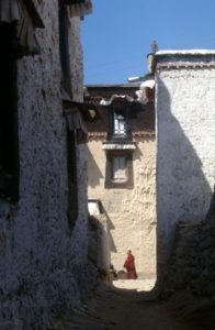 the small streets around the monastery