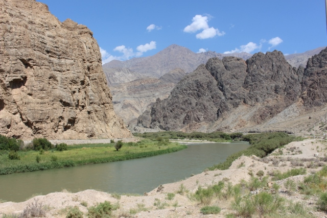 The Aras River, on its way to a narrow gorge