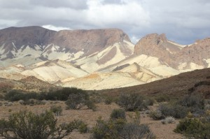 differently coloured shales on the inside of what may well be the ancient caldera rim