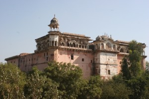 the Maharaja's palace in Bharatpur, crumbling