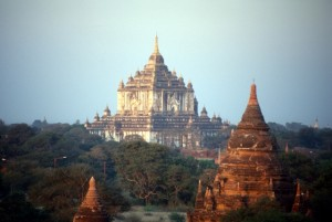 another big one, the Thatbyinnyu Temple, built in the 12th Century and shaped as a cross