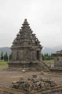 and the main temple in the Candi Arjuna complex