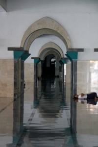the Mesjid Ampel, the oldest mosque in Surabaya