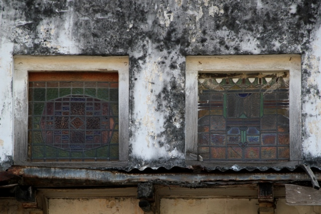 many of the old buildings have stained glass windows (which would benefit from a clean up)