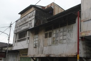 downtown houses in Manado