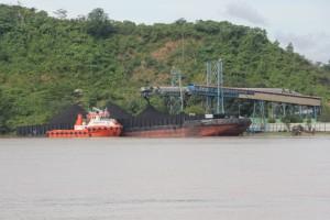 coal loading station and conveyor belt, filling a sportshal