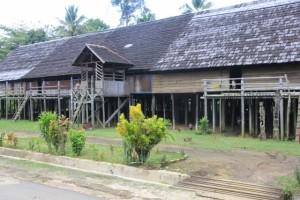 longhouse in Eheng
