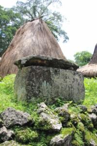 prayer hut and old tomb in Kampung Waitabara, suburb of Waikabubak