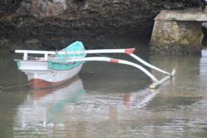 canoe with single outrigger