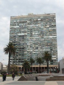 one of the less attractive apartment buildings at the Plaza Independencia