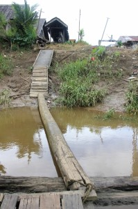 the 'bridge' between jetty and village, the only way to get onshore