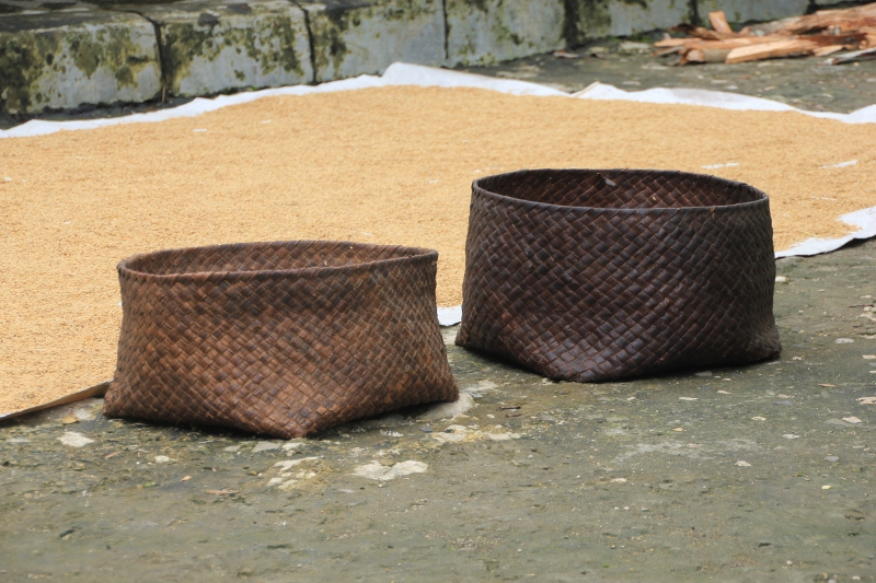 woven bamboo baskets to store the rice