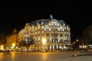 Piata Victoriei at night