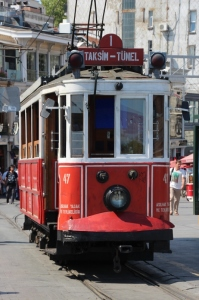 the old tourist tram from Tunel to Taksim
