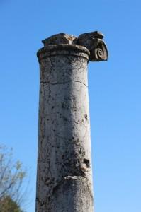Roman pilar in Nikopolis-ad-Istrum