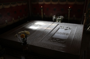 the tombs of Carol I and his with Elizabeth